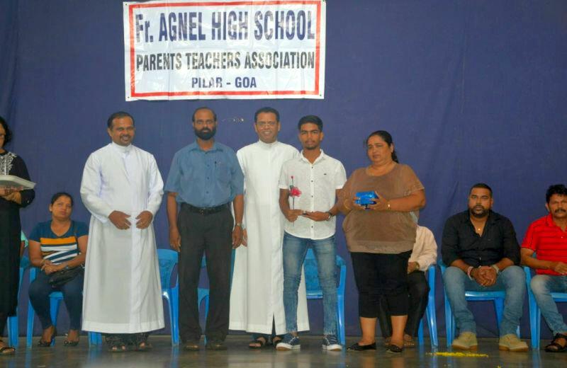 Intern-Honoured-by-School-01