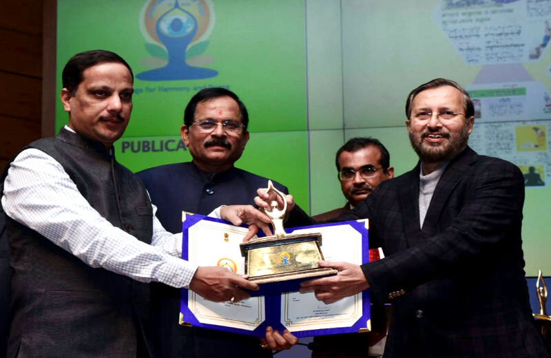 Yoga-Diwas-Media-Sammaan-Award-02